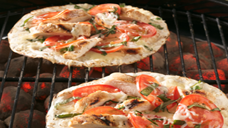 grilled-chicken-margherita-pizza
